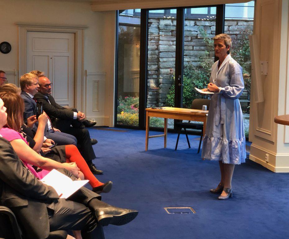 Bilde av Margrethe Vestager som holder et foredrag.