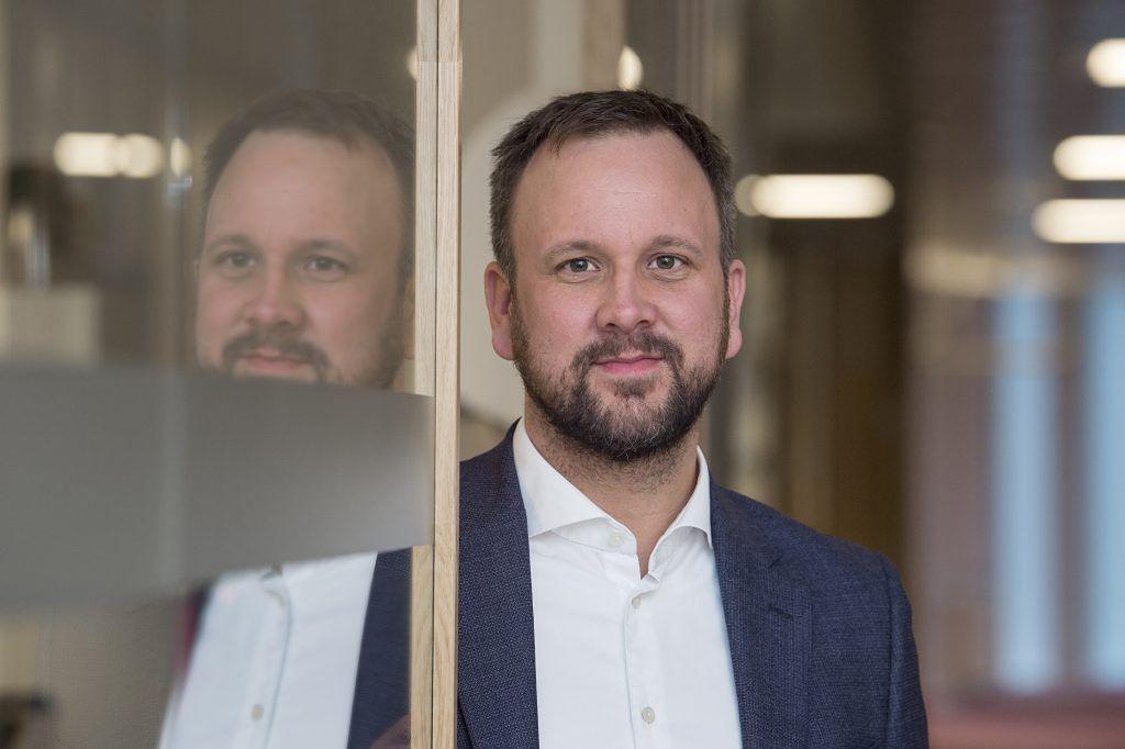Portrettbilde av Sigurd Birkeland, leder for Prosjekt Dagligvare i Konkurransetilsynet.